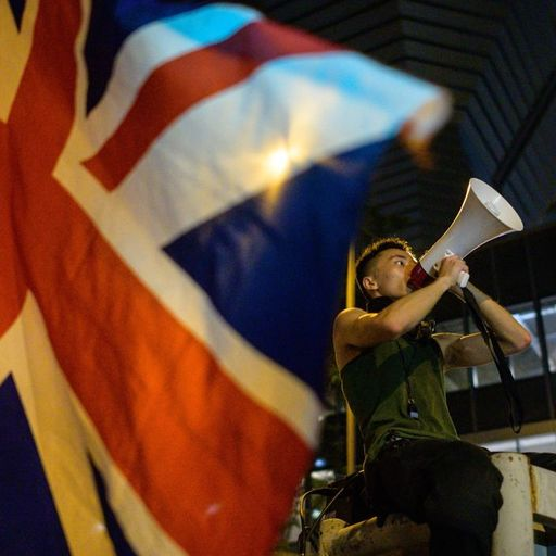 Which Hong Kong residents can now live in the UK?