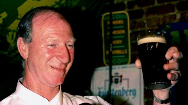 Jack Charlton: Tributes paid to former England footballer and ...