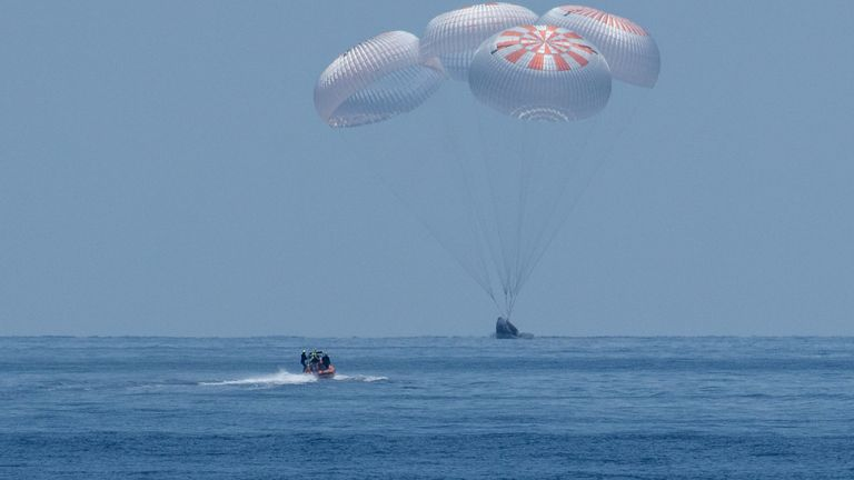 Astronauts from NASA and SpaceX complete first splashdown ...