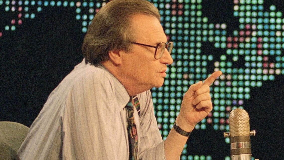 US talk show host Larry King dies weeks after testing positive for COVID-19 | US News | Sky News