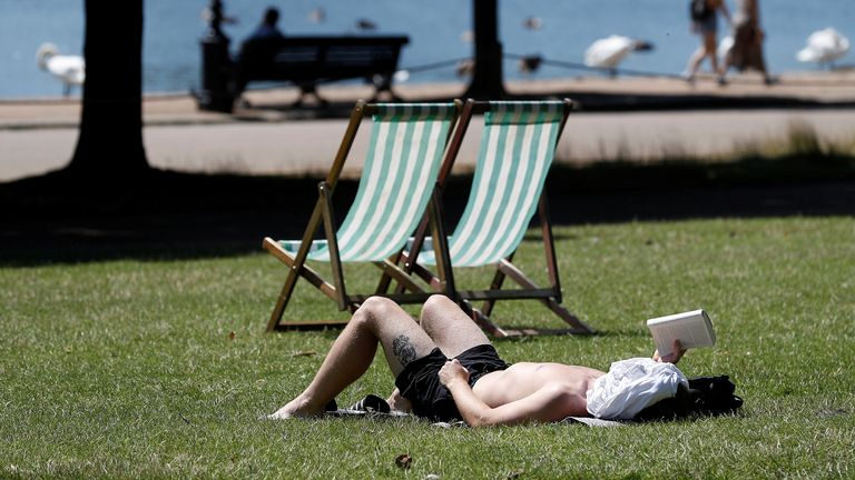 , Heatwave expected to continue into this week – and temperatures could rise even higher in some parts, The Nzuchi Times