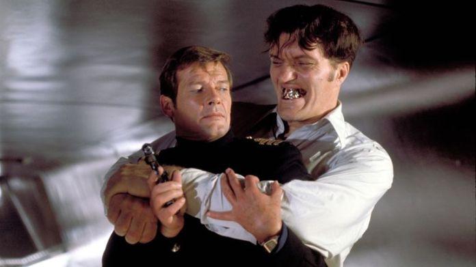 The Spy Who Loved Me - 1977 Roger Moore, Richard Kiel  1977