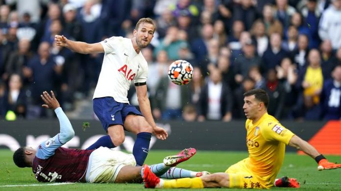 Tottenham Hotspur's Harry Kane attempts a shot on goal during the Premier League match at the Tottenham Hotspur Stadium, London. Picture date: Sunday October 3, 2021.