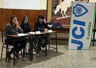 """LOS ESTUDIANTES DE LA ESCUELA PARTICIPARON DE LA INSTANCIA """"APRENDIENDO A DEBATIR"""" DEL JCI"""