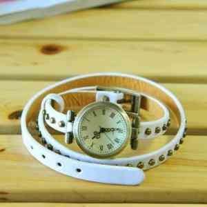 chasy-na-dlinnom-remeshke-iz-naturalnoj-kozhi-dotted-rivet-white