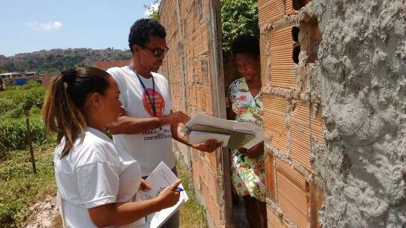 entrega de kit dengue agentes ccz salvador bahia mosquito zero projeto mobilizacao socioeducativa contra a dengue fiocruz bahia