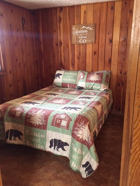 Cabin 8 1st bedroom