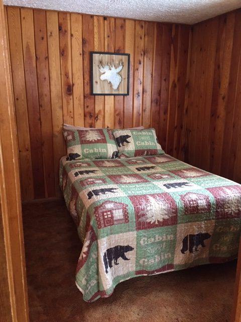Cabin 8 2nd bedroom