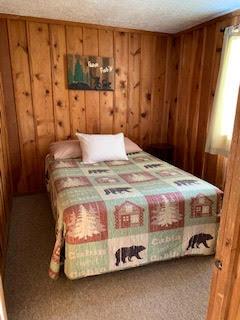 Cabin 7 bedroom 2