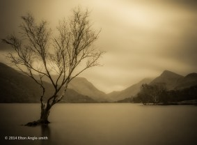 Looking over Llyn Padarn, with a long exposure to smooth the water. I also added glow in PP (post processing), to give a nice soft look.