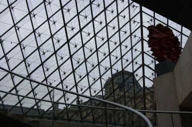 Vue du coeur de la pyramide du Louvre
