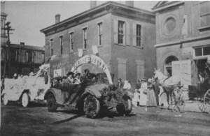 farmers-fair-1915-w-aurora-public-library-float