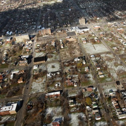 Detroit: We need $850M to tear down 40K houses  Read more: http://www.v103.com/articles/national-news-104668/detroit-we-need-850m-to-tear-12399670#ixzz333np2FgK