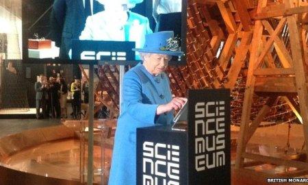 Queen Elizabeth Sends Her First Tweet To Launch Science Museum Gallery