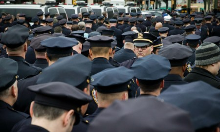 nypd-turn-backs-mayor-de-blasio-again
