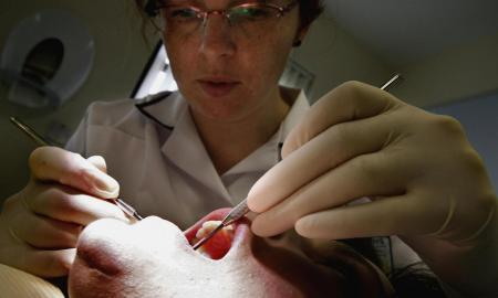 Brittish Researches Have Discovered A New Technique To Regrow Teeth Using An Alzheimer's Drug