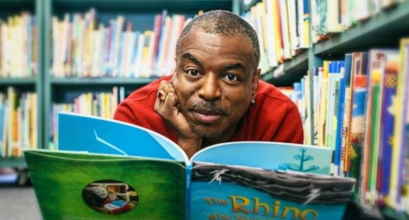 "Why Are Trump Fans Attacking ""Reading Rainbow"" LeVar Burton""  He Is Not LaVar Ball?"