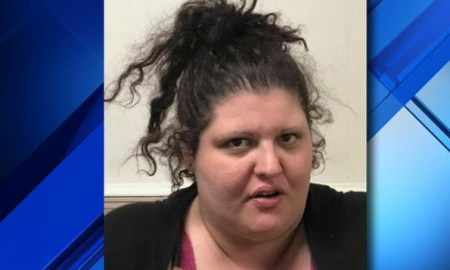 Woman Ditches Her Own Mothers Funeral To Rob Her Home