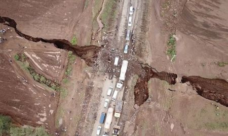 A Gigantic Crack Appears To Split Africa In Half Leaving a Massive 50 foot Hole In The Ground