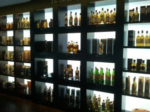 Gallery   Pictures of Backlit Onyx  Illuminated Stone  Glass with         Backlit Liquor Shelves   Earlsmann UK   LumaPex