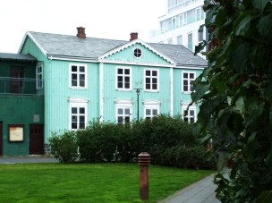 3 Reykjavik Haus Mint