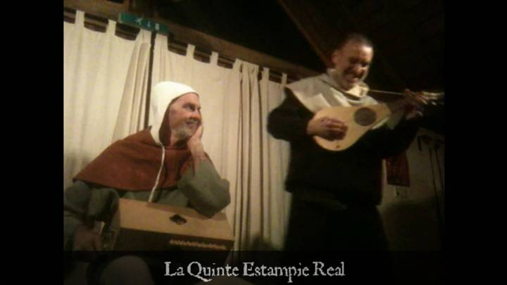 (Click picture to play video - opens in new window.) Ian Pittaway playing a gittern based on the surviving Ott instrument, with Andy Casserley on simfony, together playing as The Night Watch. La Quinte Estampie Real (The Fifth Royal Estampie) is from one of the oldest manuscripts of French courtly repertory, Manuscrit du Roy, compiled c.1250 (songs) and c.1300 (dances). Both the gittern and simfony in this video were made by Paul Baker.