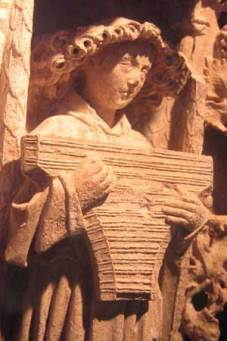 psaltery_15thC.Stone.CathedralOfSaintes,France