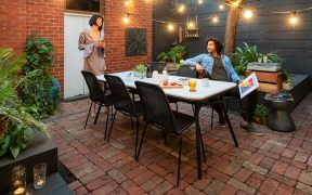 Alfresco entertaining with edge