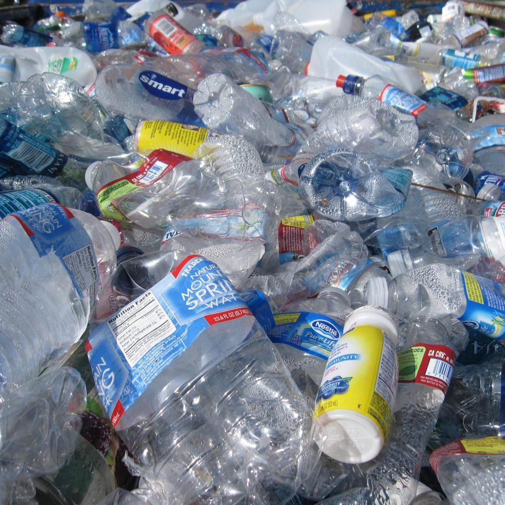 easy steps to a more eco-friendly home plastics