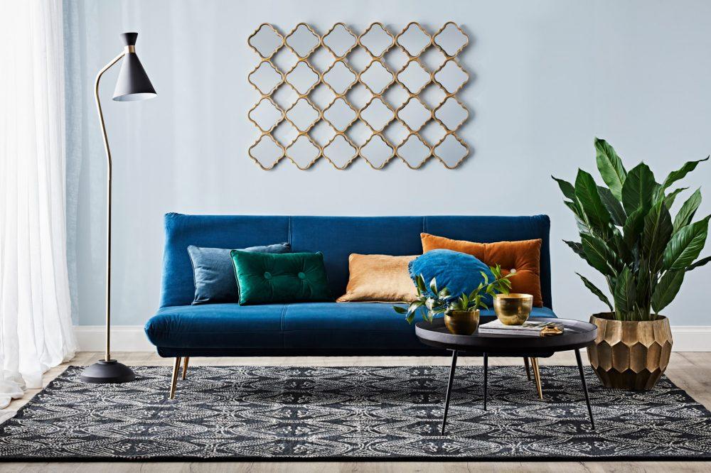 The sofa edit - Alice
