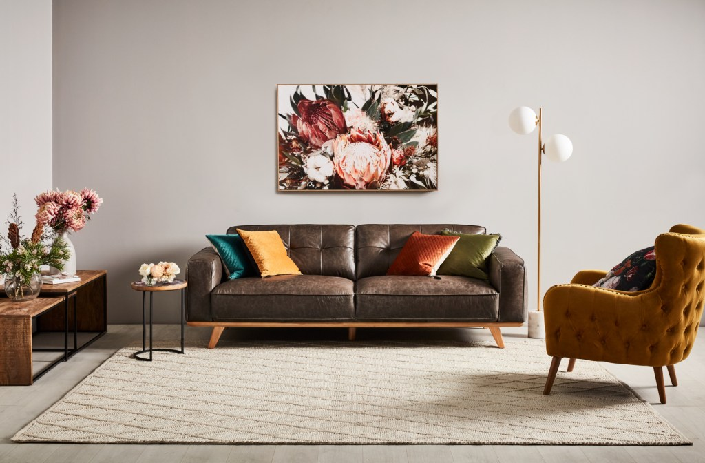 Select the Right Rug for Your Space with the Carson sofa