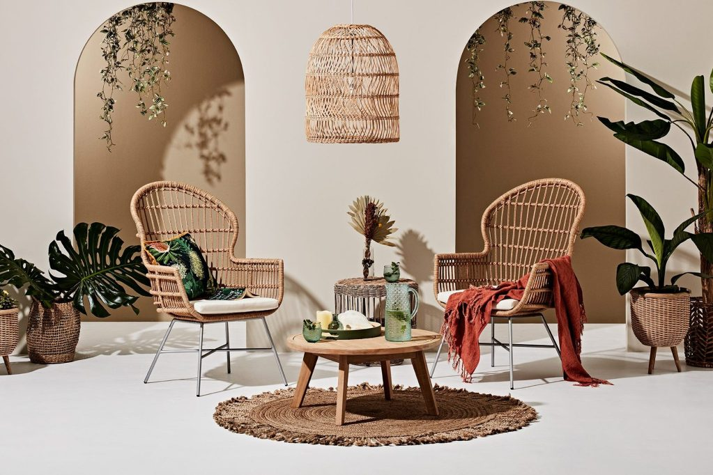 2020 Outdoor Collection with Heather Nette King with the Pod chairs