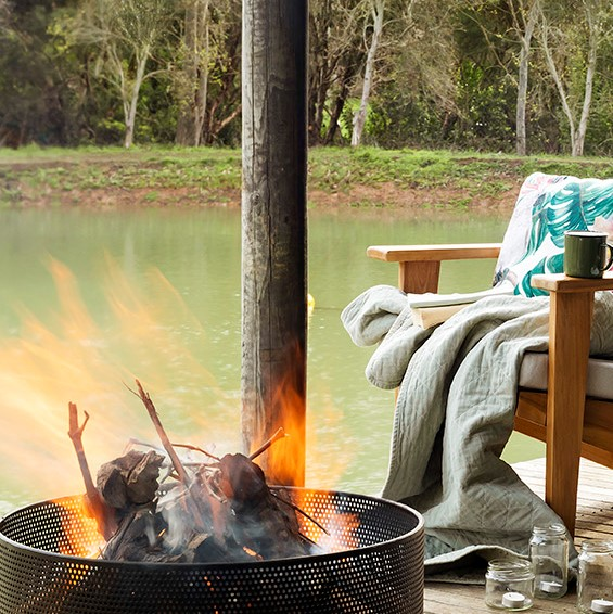 Warm Up Winter With a Fire Pit - fire pit seating