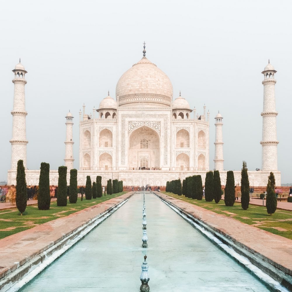 The Luxe Look of Natural Marble - taj mahal