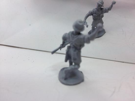 1xBritish Infantry Shorts, shirt sleave throwing hand grenade