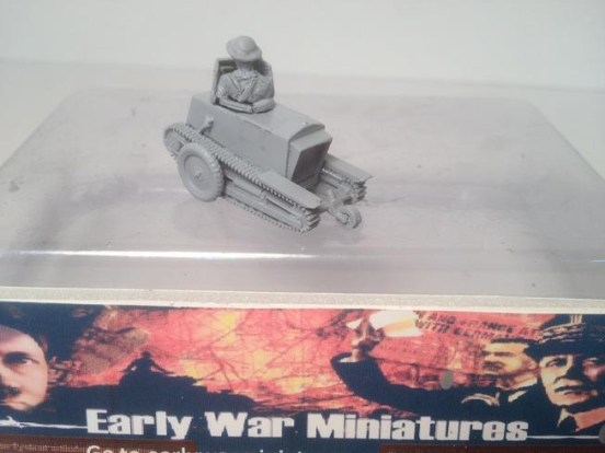 Carden-Loyd one man tank markI* with two part crew figure.