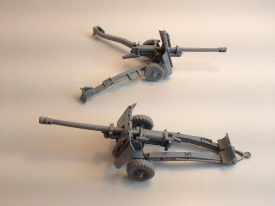 2 x British 17 pounder ATG's rapid build white metal kits
