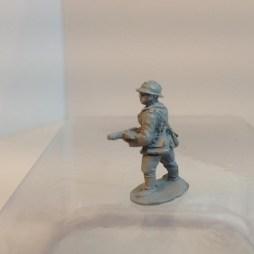Infantry NCO advancing with MP28 sub machine gun - 1940