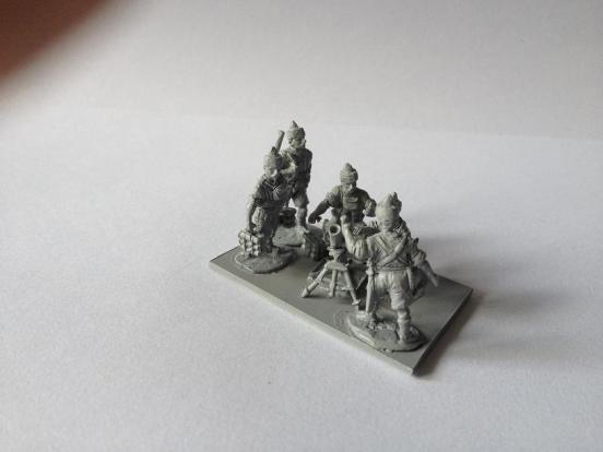 5 x Indian Infantry team firing 3 inch mortar.
