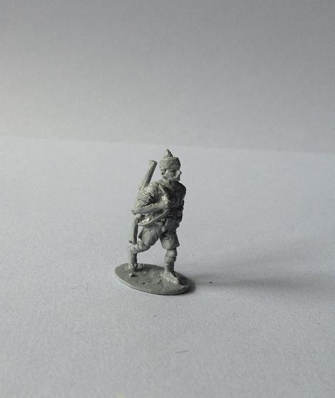 1 Indian infantryman advancing with rifle slung - single casting