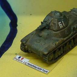 Hotchkiss H39 Tank -with SA 38 main gun