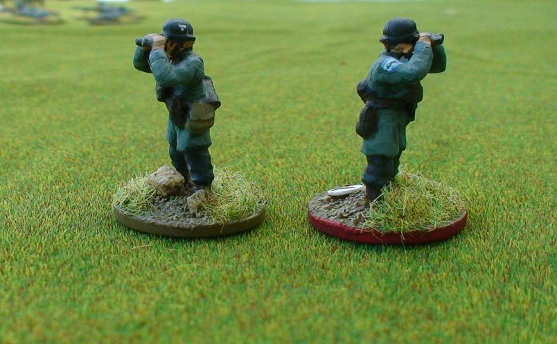 Paratrooper observing with Binoculars – EWM