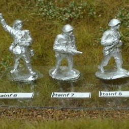 1 x Infantryman advancing with rifle slung, seperate pack