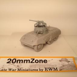 M8 Armoured car with 2 half crew figures