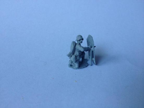 Stormtrooper kneeling behind Sturmschild  (assault Shield).