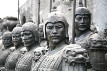 為什麼秦始皇比漢光武帝更適合投資?-《王朝的家底》讀後感