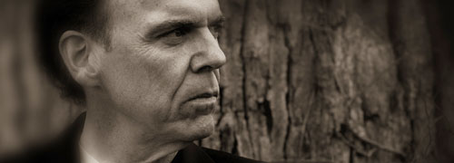 Well-travelled John Hiatt ponders life from the road