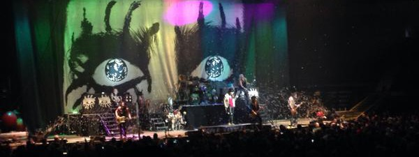 Alice Cooper's sheer awesomeness steals Motley Crue's thunder in Vancouver