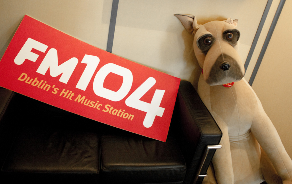 FM104 - dog in reception