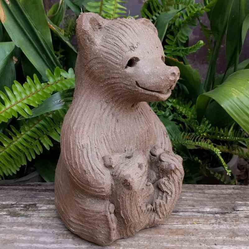 mama_bear_two_cubs_greenspace_13